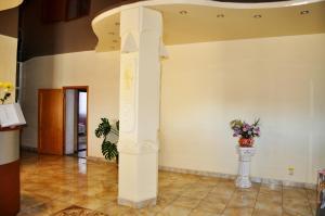 The lobby or reception area at Piramida Hotel