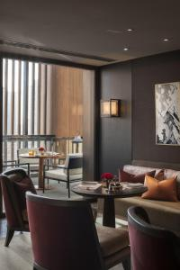 A restaurant or other place to eat at Rosewood Beijing