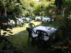 Ein Garten an der Unterkunft Gasthof Rockensüß