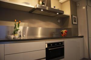 Een keuken of kitchenette bij B&B Keizers Canal