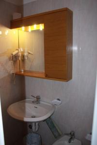 A bathroom at Hotel Ideal