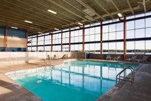 Piscina en o cerca de Niagara Riverside Resort; BW Premier Collection