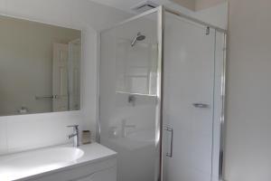 A bathroom at Sea Banksia