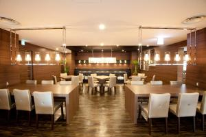 A restaurant or other place to eat at Hotel Il Credo Gifu