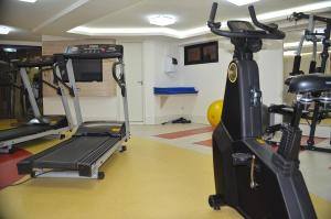 The fitness center and/or fitness facilities at Gran Continental Hotel Taubaté