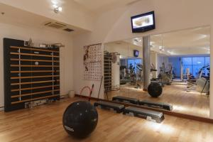 The fitness center and/or fitness facilities at Courtyard by Marriott Venice Airport