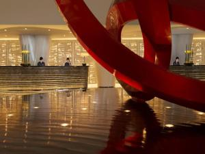 The lobby or reception area at Four Seasons Hotel Guangzhou