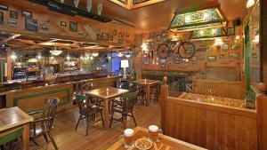The lounge or bar area at Sol Costa Daurada
