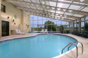 The swimming pool at or near Baymont by Wyndham Springfield