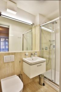 A bathroom at VIP Apartments