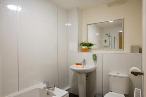 A bathroom at Printworks