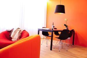 Ein Sitzbereich in der Unterkunft Key Inn Appart Hotel Parc de Merl