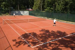 Tennis and/or squash facilities at Riviera Beach Hotel and SPA, Riviera Holiday Club - All Inclusive or nearby