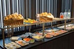 Breakfast options available to guests at Hotel Sylter Hof Berlin Superior