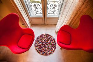 A seating area at Domaine de Biar