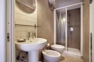 Salle de bains dans l'établissement Affittacamere Nansen