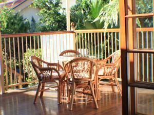 A balcony or terrace at Classique Bed & Breakfast