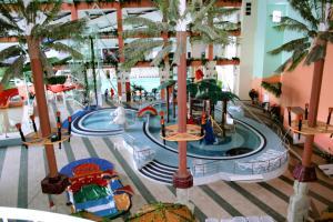 Вид на бассейн в Отель Лагуна или окрестностях