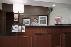 The lobby or reception area at Hampton Inn Decatur/Forsyth