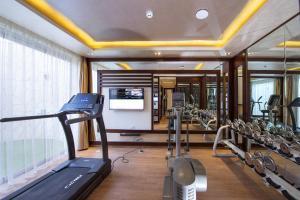 Das Fitnesscenter und/oder die Fitnesseinrichtungen in der Unterkunft Sunrise Arabian Beach Resort