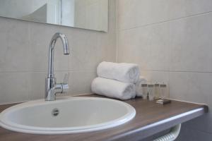 A bathroom at Hotel Golfzicht