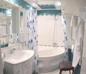Ванная комната в Отель Петропавловск
