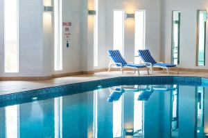 The swimming pool at or near Leonardo Edinburgh Murrayfield