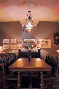 Een restaurant of ander eetgelegenheid bij Loods Hotel Vlieland