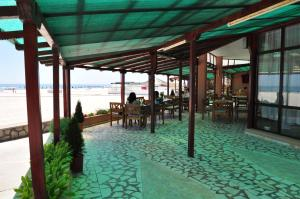 A restaurant or other place to eat at Hotel Lido