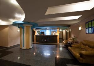 Лобби или стойка регистрации в Гостиница Кристалл