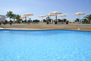 Poolen vid eller i närheten av Hotel Nerja Club & Spa