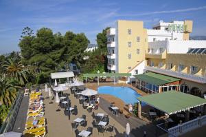 Ett flygfoto av Hotel Nerja Club & Spa