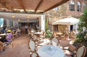 A restaurant or other place to eat at Hotel Stella Maris