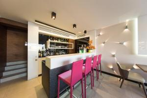 The lounge or bar area at Boutique Hotel Victoria Budapest