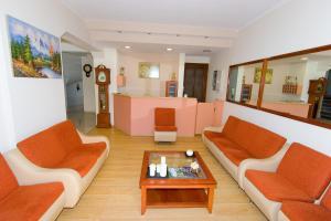 Ο χώρος του λόμπι ή της ρεσεψιόν στο Miami Studios