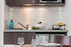A kitchen or kitchenette at Aparthotel Adagio Access Marseille Saint Charles