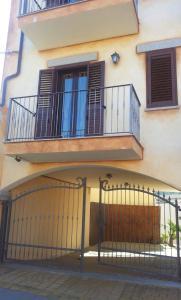 A balcony or terrace at B&B Sandalia