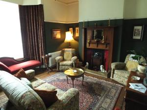 The lounge or bar area at Dylan Thomas House