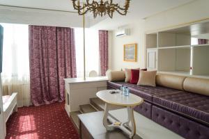 Гостиная зона в Аглая Кортъярд Отель