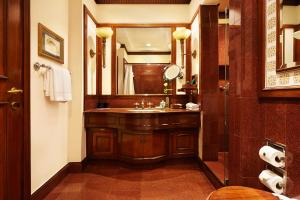 A bathroom at The Oberoi Grand Kolkata