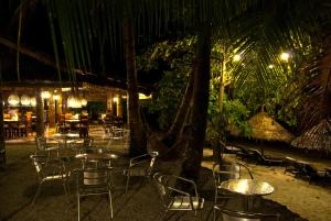 A restaurant or other place to eat at Easy Diving and Beach Resort