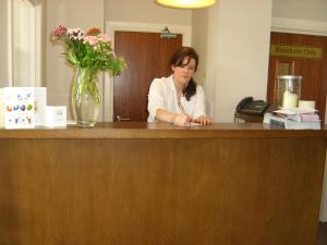 The lobby or reception area at Phoenix Park Hotel