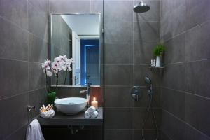 Salle de bains dans l'établissement Mykonos Chora Residences