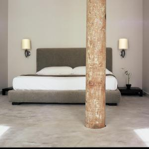 A bed or beds in a room at Loft 523