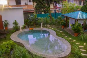 The swimming pool at or near Bike and Tours Bed and Breakfast
