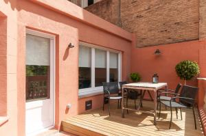 A porch or other outdoor area at Weflating Suites Sant Antoni Market