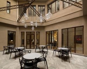 A restaurant or other place to eat at Hotel Altiplanico Bellas Artes