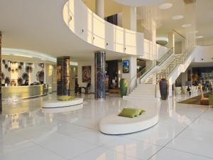 The lobby or reception area at Melia Braga Hotel & Spa