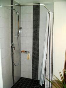 A bathroom at Lautertal Zinne