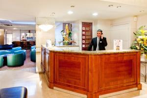Hol lub recepcja w obiekcie Hôtel Continental
